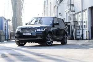what's the difference between a range rover and a land rover?